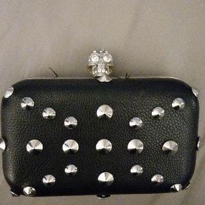 Handbags - 🔴 Skull clutch purse 👛